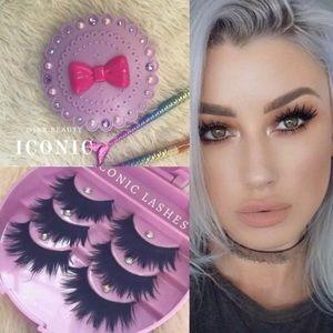 ICONIC lashes + eyelash case